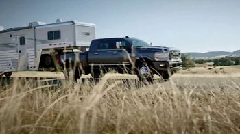 Ram Trucks TV Spot, 'Tres veces' canción de Foo Fighters [Spanish] [T2] - Thumbnail 2