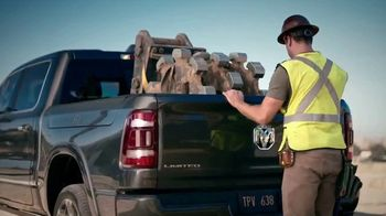 Ram Trucks TV Spot, 'Tres veces' canción de Foo Fighters [Spanish] [T2] - Thumbnail 5