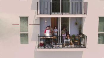Rocket Mortgage TV Spot, 'Rocket puede: BBQ' [Spanish] - Thumbnail 5