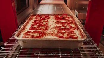 Pizza Hut Detroit Style Pizza TV Spot, 'Cheesy Crispy Edges' - 2696 commercial airings