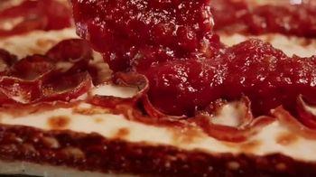 Pizza Hut Detroit Style Pizza TV Spot, 'Tomato Sauce' - Thumbnail 3
