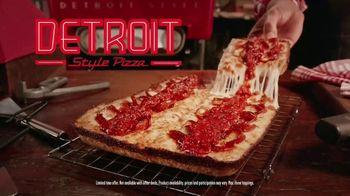 Pizza Hut Detroit Style Pizza TV Spot, 'Tomato Sauce' - Thumbnail 4