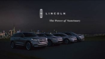 Lincoln Motor Company TV Spot, 'Comfort in the Extreme: Noise' [T1] - Thumbnail 7