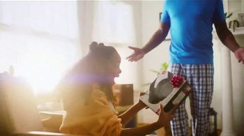 Kohl's Valentine's Day Sale TV Spot, 'A Little More Love' Song by Oh, Hush! - Thumbnail 4
