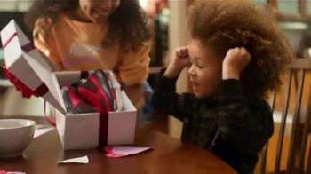 Kohl's Valentine's Day Sale TV Spot, 'A Little More Love' Song by Oh, Hush! - Thumbnail 5