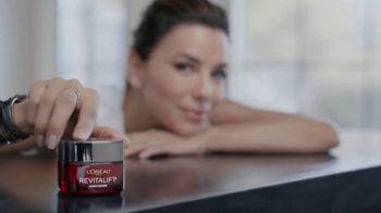 L'Oreal Paris Revitalift Triple Power Moisturizer TV Spot, 'Don't Settle: Serum' Featuring Eva Longoria - Thumbnail 2