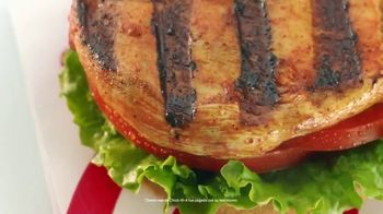 Chick-fil-A Grilled Spicy Deluxe TV Spot, 'Las pequeñas cosas: John' [Spanish] - Thumbnail 2