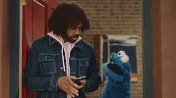 DoorDash TV Spot, 'Sesame Workshop: Nom Nom' Feat. Daveed Diggs - Thumbnail 5