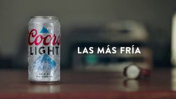 Coors Light TV Spot, 'Viernes por la noche siestas energéticas' canción de James Kaye [Spanish] - Thumbnail 8