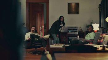 Coors Light TV Spot, 'Viernes por la noche siestas energéticas' canción de James Kaye [Spanish] - Thumbnail 5