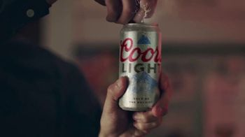 Coors Light TV Spot, 'Viernes por la noche siestas energéticas' canción de James Kaye [Spanish] - Thumbnail 6