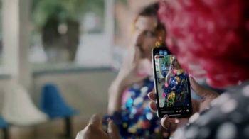 Facebook Groups TV Spot, 'I Am Beautiful' Song by CHIKA - Thumbnail 2
