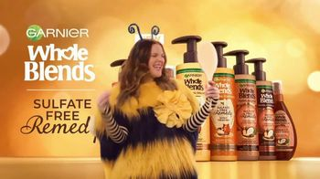 Garnier Whole Blends Sulfate Free Remedy TV Spot, 'The New Buzz' Featuring Drew Barrymore, Song by Lizzo - Thumbnail 8