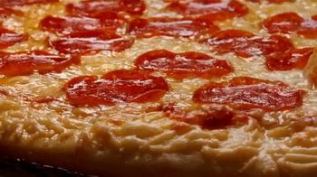 Hungry Howie's Meal Deals TV Spot, 'Pizza Speak' - Thumbnail 3