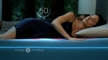 Ultimate Sleep Number Event TV Spot, 'Weekend Special: Save 50% and 0% Interest' Feat. Travis Kelce - Thumbnail 4