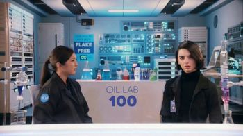 Head & Shoulders TV Spot, 'Take Science Up to 100: Get Rid of Oil' - Thumbnail 4