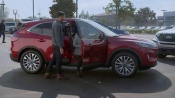 Ford El Evento Hecho para las Fiestas TV Spot, 'La alegría de la temporada' [Spanish] [T2] - Thumbnail 4