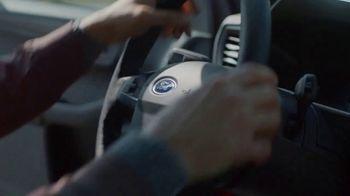Ford El Evento Hecho para las Fiestas TV Spot, 'La alegría de la temporada' [Spanish] [T2] - Thumbnail 6