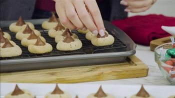 Hershey's Kisses TV Spot, 'Ion Television: Peanut Butter Blossoms' - 7 commercial airings