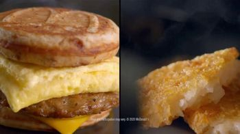 McDonald's $4 Bundle TV Spot, 'Morning Person: Sausage or Bacon, Egg, and Cheese McGriddle' - Thumbnail 6