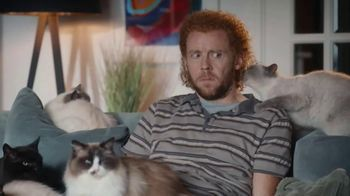 AmeriSave Mortgage TV Spot, 'Mike the Cat Lady Man: Home Loan' - Thumbnail 8