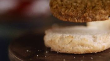 Bojangles Steak Biscuit TV Spot, 'Holidays: You're Not Seeing Double: 2 for $4' - Thumbnail 6
