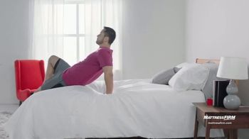 Mattress Firm Venta de Fin de Año TV Spot, 'Ahorra $300 dólares' [Spanish] - Thumbnail 1