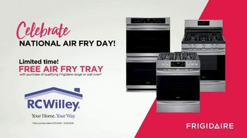 Frigidaire TV Spot, 'Air Fry in Your Oven: National Air Fry Day' - Thumbnail 7