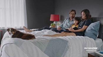 Mattress Firm TV Spot, 'Save $300 & $300 Instant Gift' - Thumbnail 5