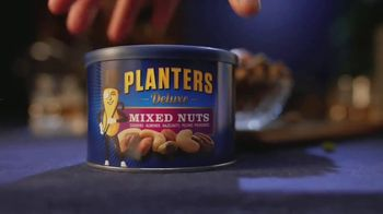 Planters Deluxe Mixed Nuts TV Spot, 'Satisfecho' [Spanish] - Thumbnail 7