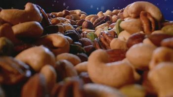 Planters Deluxe Mixed Nuts TV Spot, 'Satisfecho' [Spanish] - Thumbnail 3
