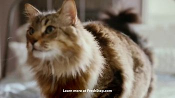 Fresh Step Clean Paws TV Spot, 'Cleaner Peets' - Thumbnail 3