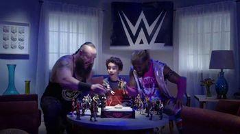 WWE TV Spot, 'Choose Your Side' Featuring Kofi Kingston, Braun Strowman - Thumbnail 4
