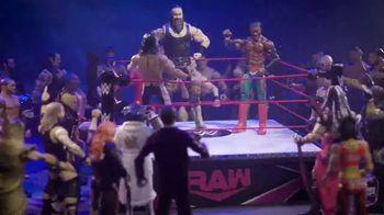 WWE TV Spot, 'Choose Your Side' Featuring Kofi Kingston, Braun Strowman - Thumbnail 5