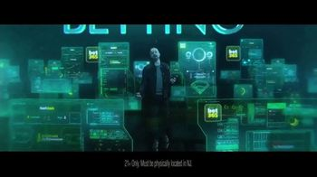 Bet365 TV Spot, 'In-Play Betting' Featuring Aaron Paul - Thumbnail 4