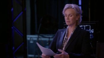 Consumer Cellular TV Spot, 'The Weakest Link: Trivia' Featuring Jane Lynch - Thumbnail 3