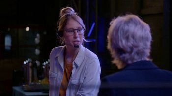 Consumer Cellular TV Spot, 'The Weakest Link: Cake' Featuring Jane Lynch - Thumbnail 5
