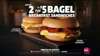 Jack in the Box 2 for $5 Bagel Breakfast Sandwiches TV Spot, 'Contrato' [Spanish] - Thumbnail 7