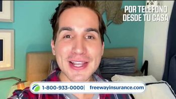 Freeway Insurance TV Spot, 'Piénsalo bien: está en tus manos' [Spanish] - Thumbnail 3