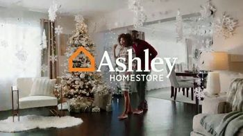 Ashley HomeStore Happy Holidays Sale TV Spot, 'Up to 40% Off and Queen Sleigh Bed' - Thumbnail 2