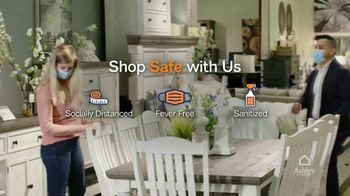 Ashley HomeStore Happy Holidays Sale TV Spot, 'Up to 40% Off and Queen Sleigh Bed' - Thumbnail 5