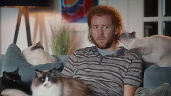 AmeriSave Mortgage TV Spot, 'Mike the Cat Lady Man: Refinancing' - Thumbnail 8