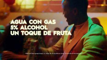 Truly Hard Seltzer TV Spot, 'Entradas' canción de Bomba Estéreo [Spanish] - Thumbnail 8