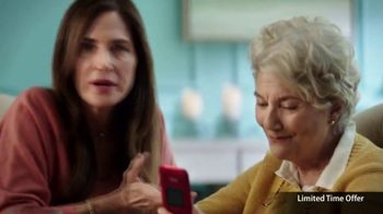 GreatCall Lively Flip TV Spot, 'Holiday Savings: Touch of a Button' - Thumbnail 4