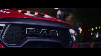 Ram Trucks TV Spot, 'Abrir el camino' canción de Chris Stapleton [Spanish] [T1] - Thumbnail 8