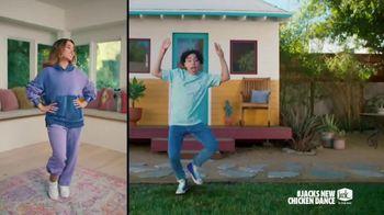Jack in the Box Cluck Sandwich Combo TV Spot, 'New Chicken Dance' Featuring Becky G - Thumbnail 3