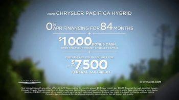 Chrysler TV Spot, 'No Matter How You Parent' Featuring Kathryn Hahn [T2] - 65 commercial airings