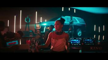 2021 Cadillac Escalade TV Spot, 'Never Stop Arriving' Featuring Regina King, Song by DJ Shadow, Run the Jewels [T1] - Thumbnail 9