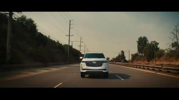 2021 Cadillac Escalade TV Spot, 'Never Stop Arriving' Featuring Regina King, Song by DJ Shadow, Run the Jewels [T1] - Thumbnail 4