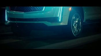 2021 Cadillac Escalade TV Spot, 'Never Stop Arriving' Featuring Regina King, Song by DJ Shadow, Run the Jewels [T1] - Thumbnail 8